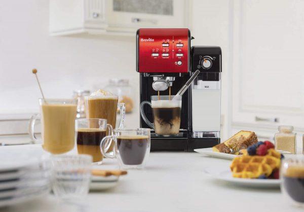 Faire un bon café avec une machine expresso italienne haut de gamme